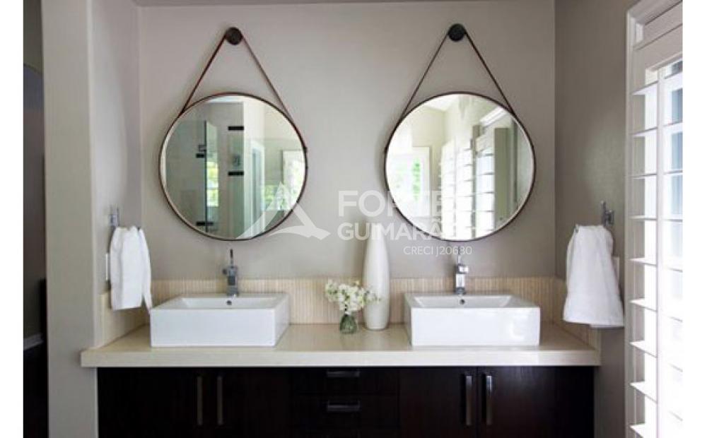 Conheça o espelho Adnet, peça 'queridinha' do momento.