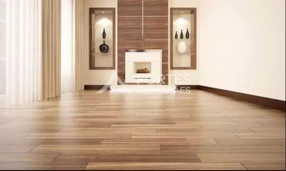 Piso de madeira garante elegância e aconchego à decoração