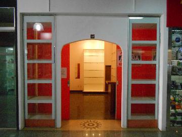 Alugar Comercial / Imóvel Comercial em Ribeirão Preto. apenas R$ 700,00