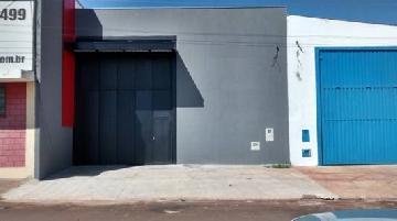 Alugar Comercial / Salão em Cravinhos. apenas R$ 3.500,00