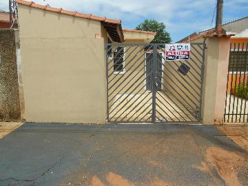 Alugar Casas / Padrão em Ribeirão Preto. apenas R$ 750,00