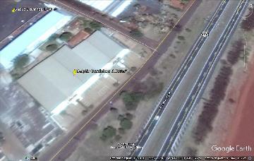 Alugar Comercial / Salão em Cravinhos. apenas R$ 60.000,00