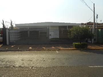 Alugar Casas / Padrão em Ribeirão Preto. apenas R$ 8.640,00