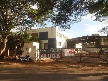 Alugar Comercial / Salão em Cravinhos. apenas R$ 40.000,00