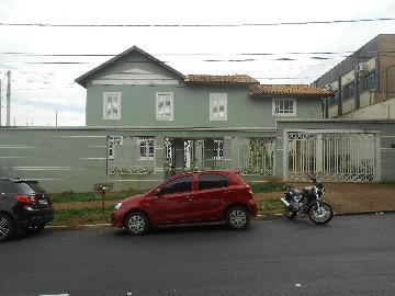 Alugar Casas / Padrão em Ribeirão Preto. apenas R$ 10.000,00