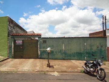 Casas / Padrão em Ribeirão Preto Alugar por R$600,00