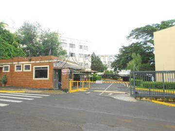 Apartamentos / Padrão em Ribeirão Preto Alugar por R$850,00