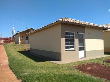 Casas / Padrão em Ribeirão Preto Alugar por R$650,00