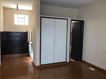 Casas / Padrão em Ribeirão Preto Alugar por R$450,00