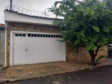 Casas / Padrão em Ribeirão Preto Alugar por R$1.600,00