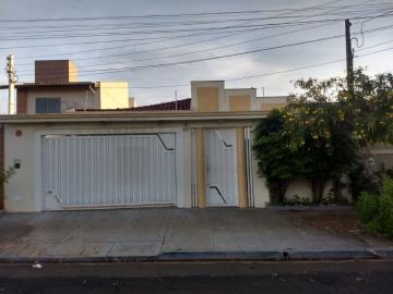 Casas / Padrão em Ribeirão Preto Alugar por R$2.400,00